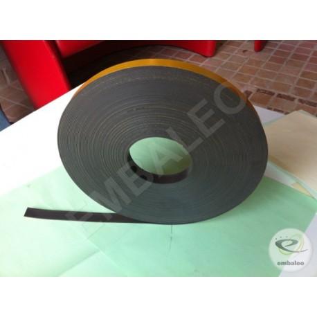 Nastro adesivo magnetico